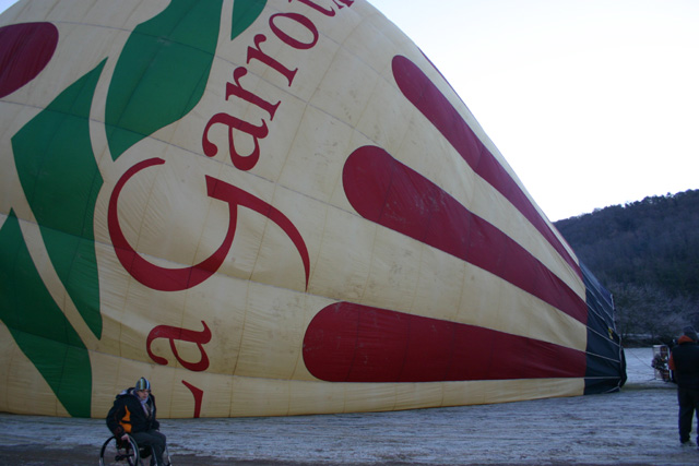 Mit dem Rollstuhl im Heissluftballon über die Pyrenäen